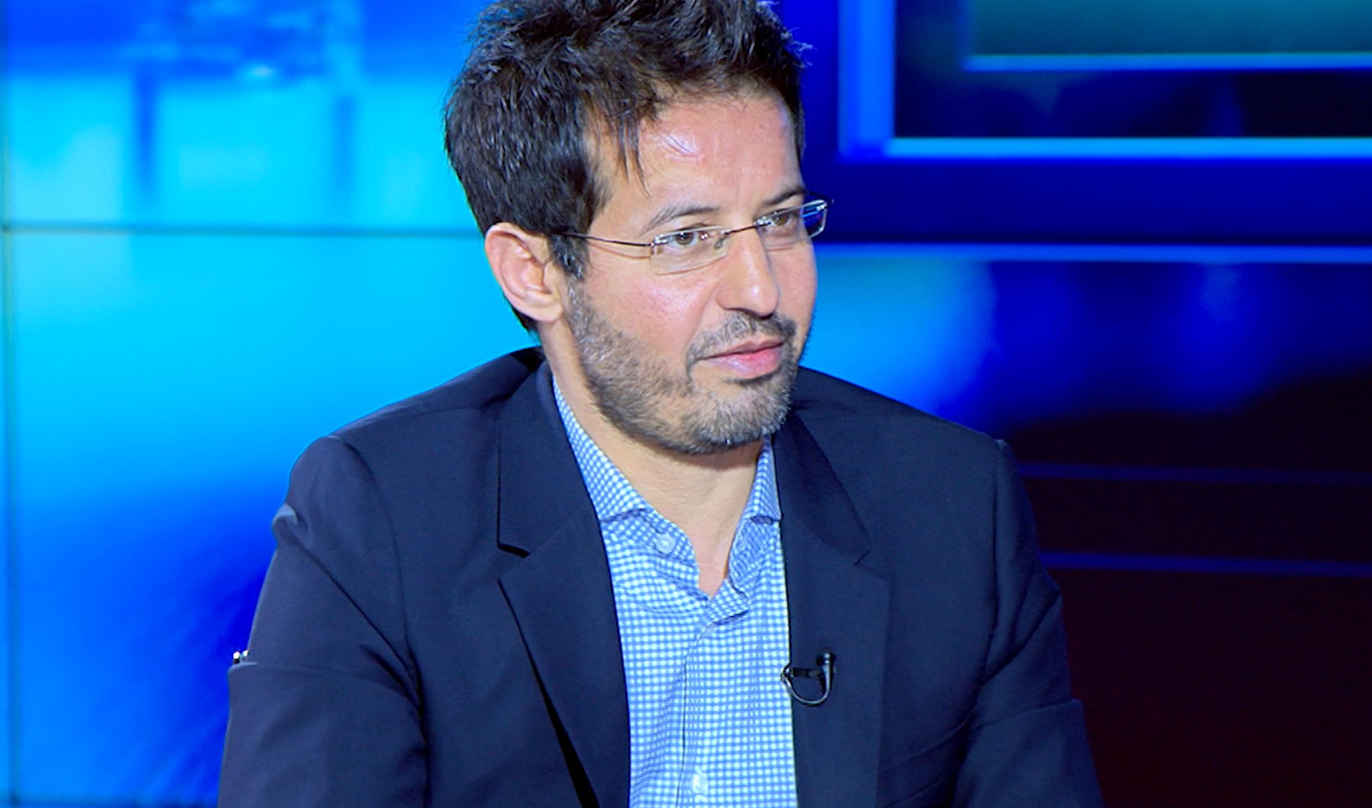 """الأستاذ بجامعة كولومبيا """"المبروك درباش"""" يقدم """"حلولا صادمة"""" لأزمات ليبيا"""