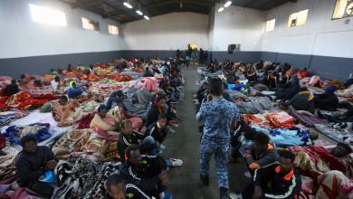 Photo of رويترز: إطلاق سراح مئات المهاجرين غير القانونيين من طرابلس