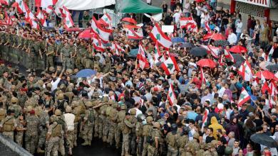 Photo of احتجاجات لبنان تدخل شهرها الثاني.. ولا حل بالأفق
