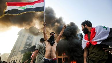 Photo of مدن عراقية تنتفض مجدداً.. وحرق مقار محافظات