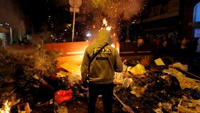 Photo of العنف يجتاح شوارع برشلونة لليلة السادسة على التوالي