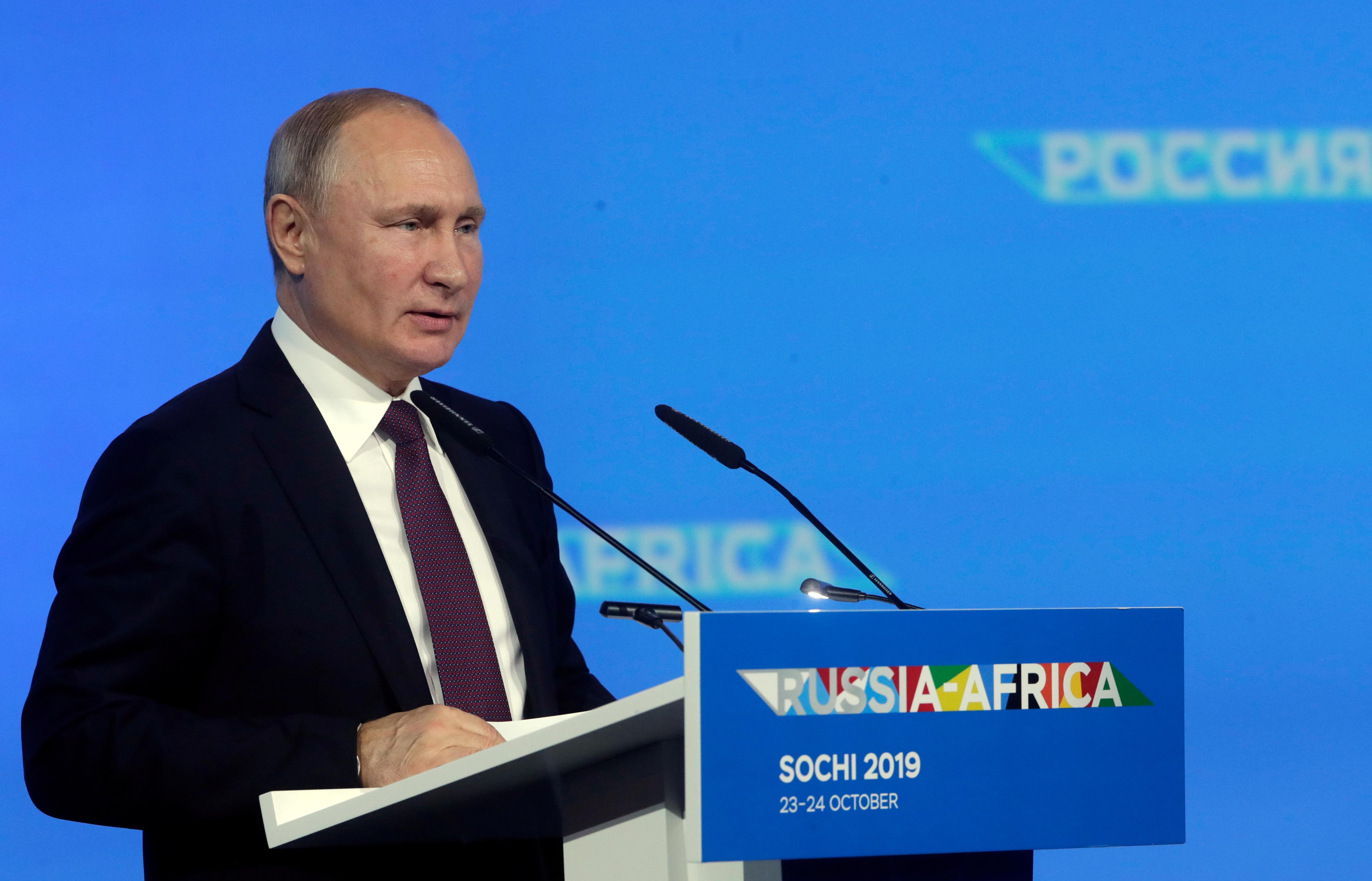 الرئيس الروسي فلاديمير بوتين - قمة سوتشي