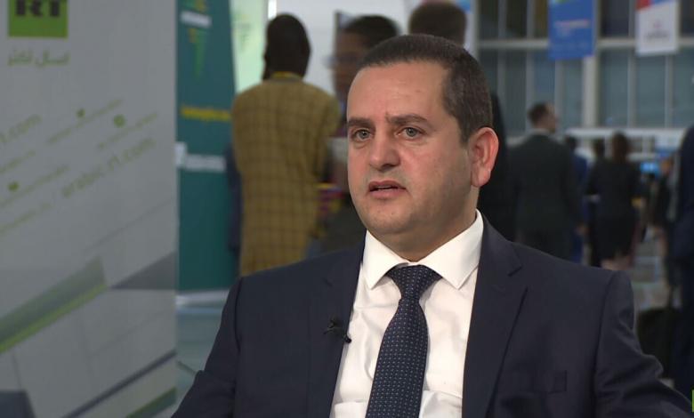 وزير الخارجية في الحكومة المؤقتة عبد الهادي الحويج