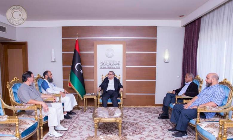 المشري يناقش مع رئيس مجلس أعيان سوق الجمعة ملف المصالحة الوطنية