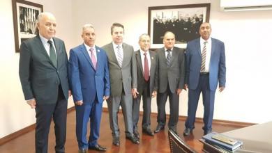 Photo of نواب منقطعون يلتقون وكيل الخارجية التركي