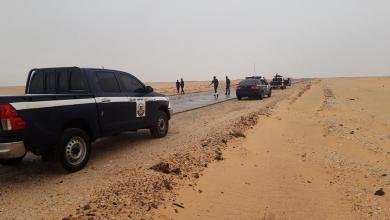 Photo of دوريات أمنية مشتركة لأمن سبها والشاطئ والبوانيس بمفرق دار براك