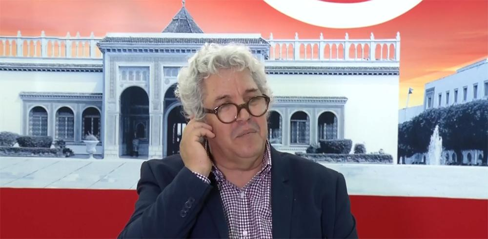"""صورة عضو بـ""""هيئة الانتخابات"""" التونسية: نسبة الإقبال بلغت 35%"""