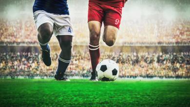 صورة الجانب المظلم لكرة القدم.. لاعبون توفوا داخل الملعب