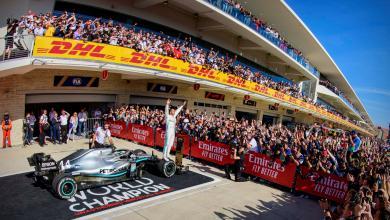 Photo of هاميلتون يتوج بلقبه السادس عالميا في الفورمولا 1
