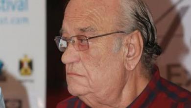 Photo of نقيب الفنانين المصريين ينفي وفاة حسن حسني