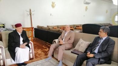 Photo of عقيلة يبحث أوضاع الجنوب