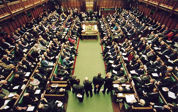 بريطانيا.. استطلاعات الرأي تضع المحافظين بالمقدمة