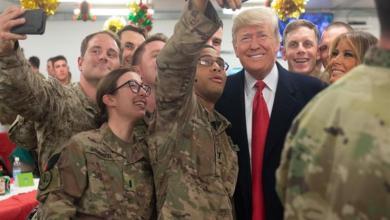 "Photo of ""ترامب"" يعفو عن ضباط متهمين بـ جرائم حرب"
