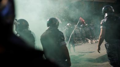 Photo of تصعيد جديد من المحتجين بلبنان.. واشتباكات في بيروت