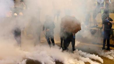 """Photo of الغاز المسيل للدموع يُثير """"هلعا صحيا"""" في هونغ كونغ"""