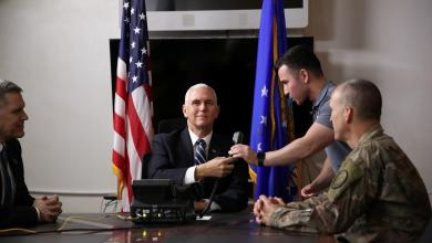 Photo of بنس يصل العراق بزيارة مفاجئة لطمأنة الحلفاء