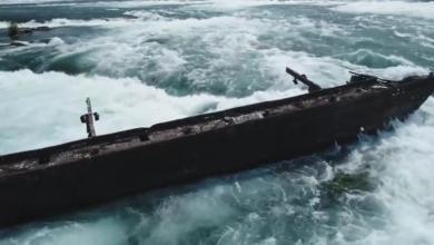 Photo of العواصف تحرك سفينة عالقة في شلالات نياغارا