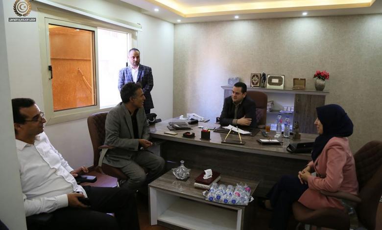 وزير الخارجية ووزيرة الشؤون الاجتمعاية بالحكومة المؤقتة يتابعان في القاهرة برنامج عودة المهجرين الليبيين بمصر