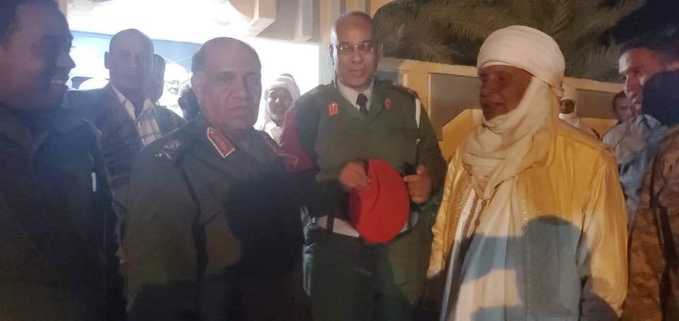سلطان قبيلة التوارق في ليبيا يستقبل اللواء بلقاسم الأبعج في البركت