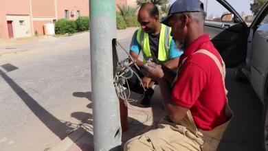 Photo of مبادرة لتغليف أسلاك أعمدة كهرباء الشوارع بغدامس