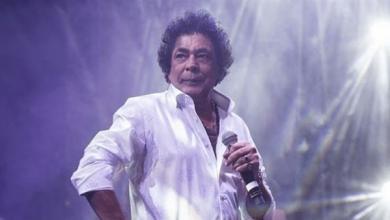 """Photo of """"الكينغ"""" يفتتح مهرجان الموسيقى العربية بالغناء جالسا"""