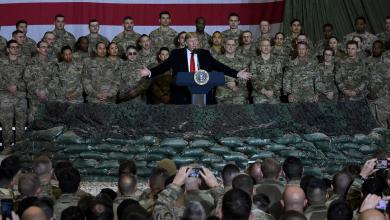 Photo of ترامب يصل أفغانستان بزيارة مفاجئة.. ويحتفل مع جنوده