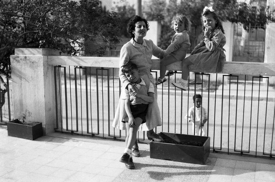 صورة لجدة ليوني كونتيني في طرابلس