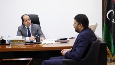Photo of بومطاري ومعيتيق يبحثان الترتيبات المالية تمهيداً لاعتمادها