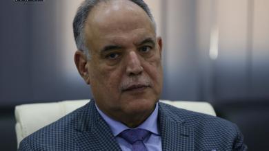 """صورة بوشناف: الحكومة الليبية تواجه """"مؤامرة"""""""