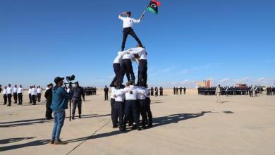 """صورة """"داخلية المؤقتة"""" تُخَرِّج 320 شُرطياً في طبرق -(صور)"""