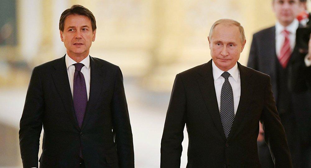 الرئيس الروسي فلاديمير بوتين ورئيس الوزراء الإيطالي جوزيبي كونتي