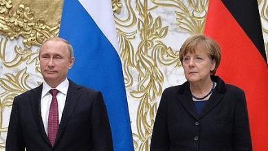 Photo of بوتين وميركل يحثان على منع التصعيد في ليبيا