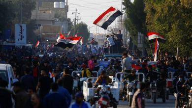 Photo of طعن متظاهرين ومقتل ناشطة.. تطورات خطيرة في العراق