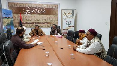 Photo of بلدية طبرق تناقش العراقيل التي تواجه الفرع البلدي بالخاثر