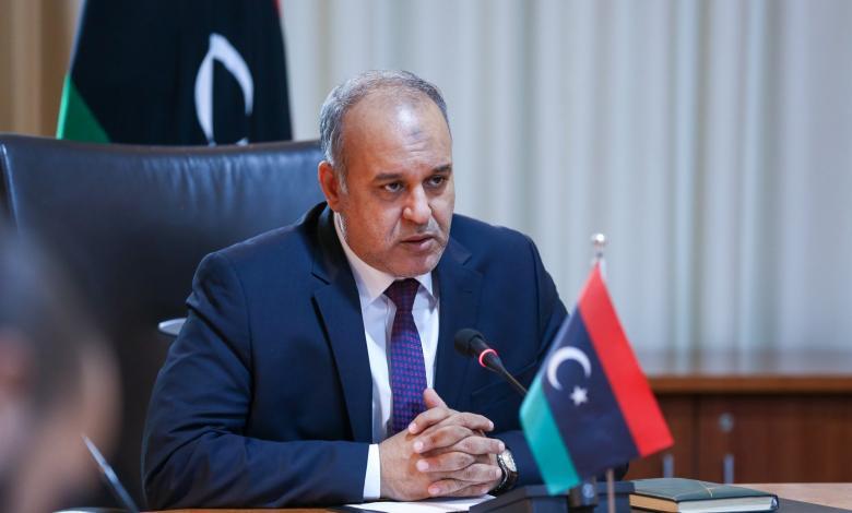 وزير الاقتصاد والصناعة في حكومة الوفاق على العيساوي
