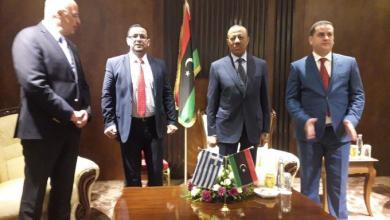Photo of وزير الخارجية اليوناني يصل بنغازي