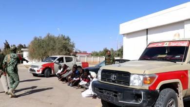 "Photo of مداهمة في ""الواحات"" لـ ""وكر"" تهريب المهاجرين"