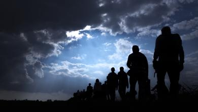 Photo of ليبيا تُرحّل 100 مهاجر بعد ضبطهم في البيضاء