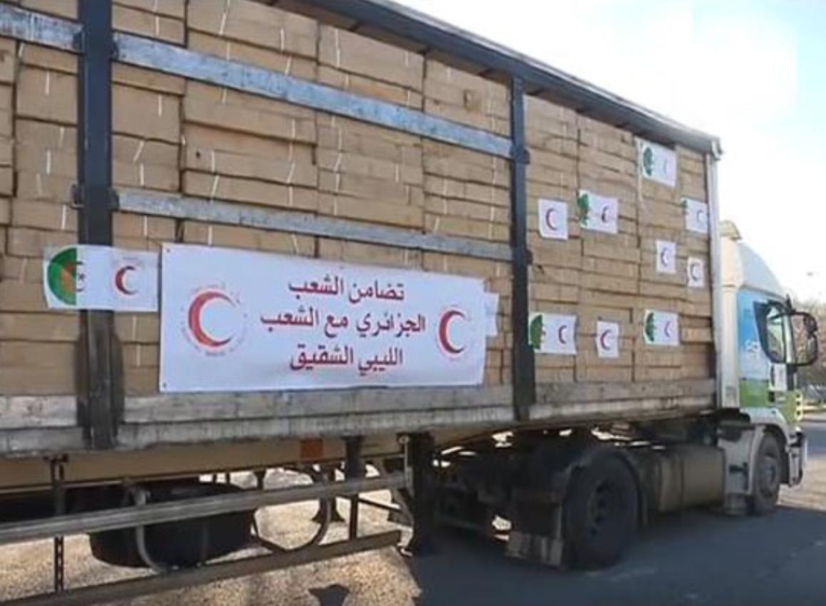 الهلال الأحمر الجزائري يُرسل 100 طن مساعدات إلى ليبيا