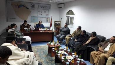 """Photo of """"تعليم الوفاق"""" توزع صكوك الميزانية التشغيلية في بني وليد"""