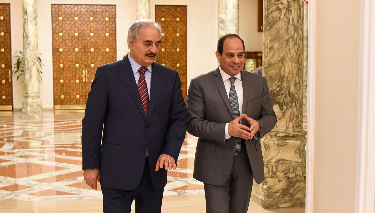 الرئيس المصري عبدالفتاح السيسي والمشير خليفة حفتر- إرشيفية