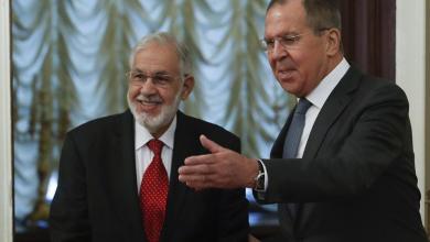 """صورة سيالة يأمُل """"ضغطاً روسياً"""" فيما يغادر وفد """"الوفاق"""" موسكو"""