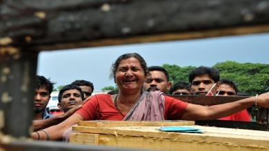 Photo of قصة مؤثرة.. هندية تعود للحياة قبل دفنها بلحظات