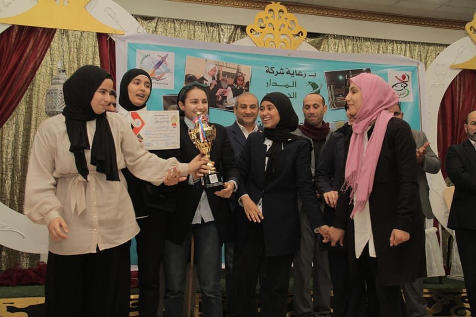 مكتب النشاط المدرسي بنغازي يحتفي بالطلبة المتفوقين