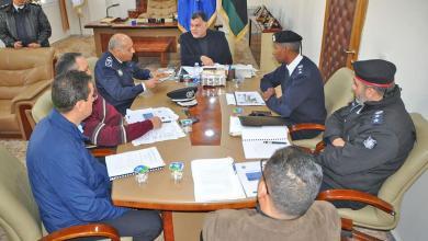 Photo of داخلية الوفاق تناقش توصيات اللجنة الفنية للتوصيف الوظيفي