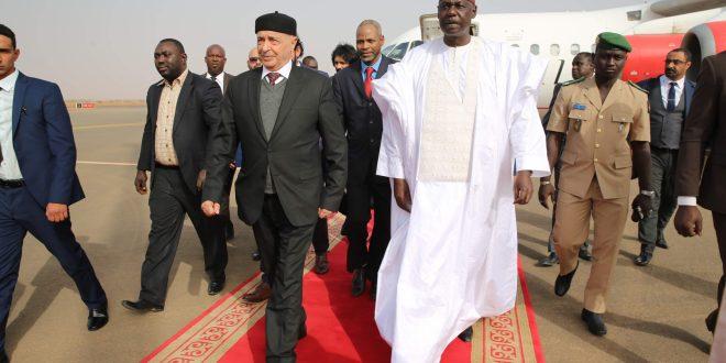 رئيس مجلس النواب عقيلة صالح يصل النيجر