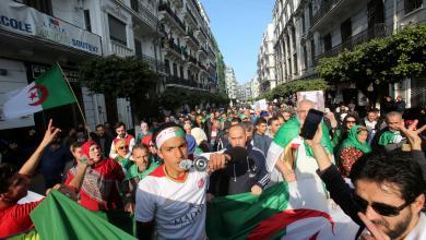 Photo of الجزائر.. المحتجون يُحيون الذكرى الأولى لبدء التظاهرات