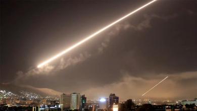 Photo of الدفاعات الجوية تتصدى لصواريخ إسرائيلية قرب دمشق