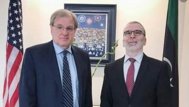 Photo of صنع الله والسفير الأمريكي يبحثان تبعات إغلاق النفط