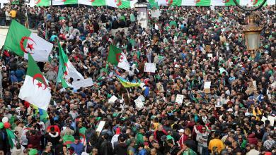 Photo of في الذكرى الأولى لحراكهم.. الجزائريون يصرون على التغيير